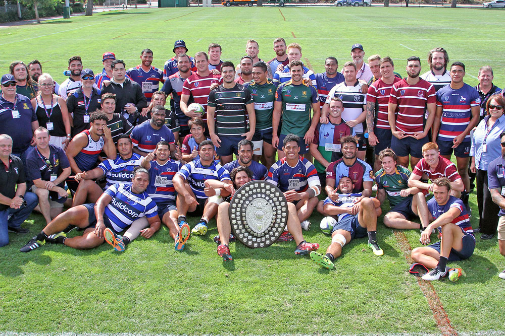 The players with the Dewar Shield.