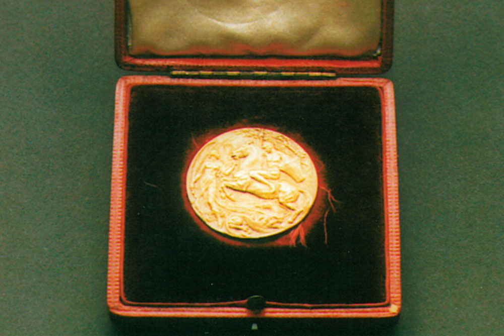 The gold medal Tom Richards won in 1908. Photo: Supplied