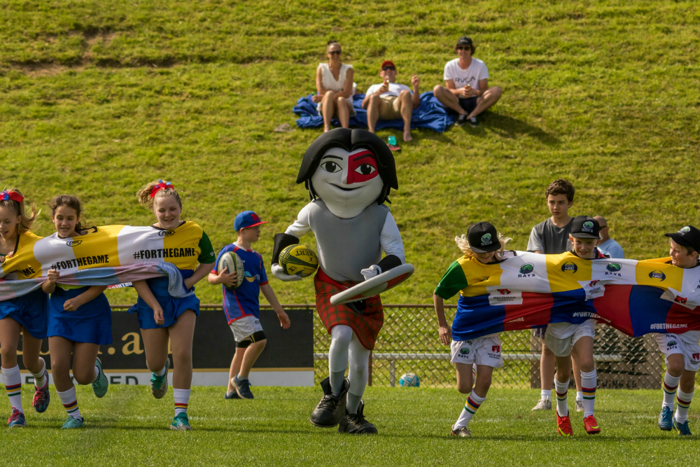 There was a great atmosphere at Pittwater Park for the top of the table clash. Photo: AJF Photography