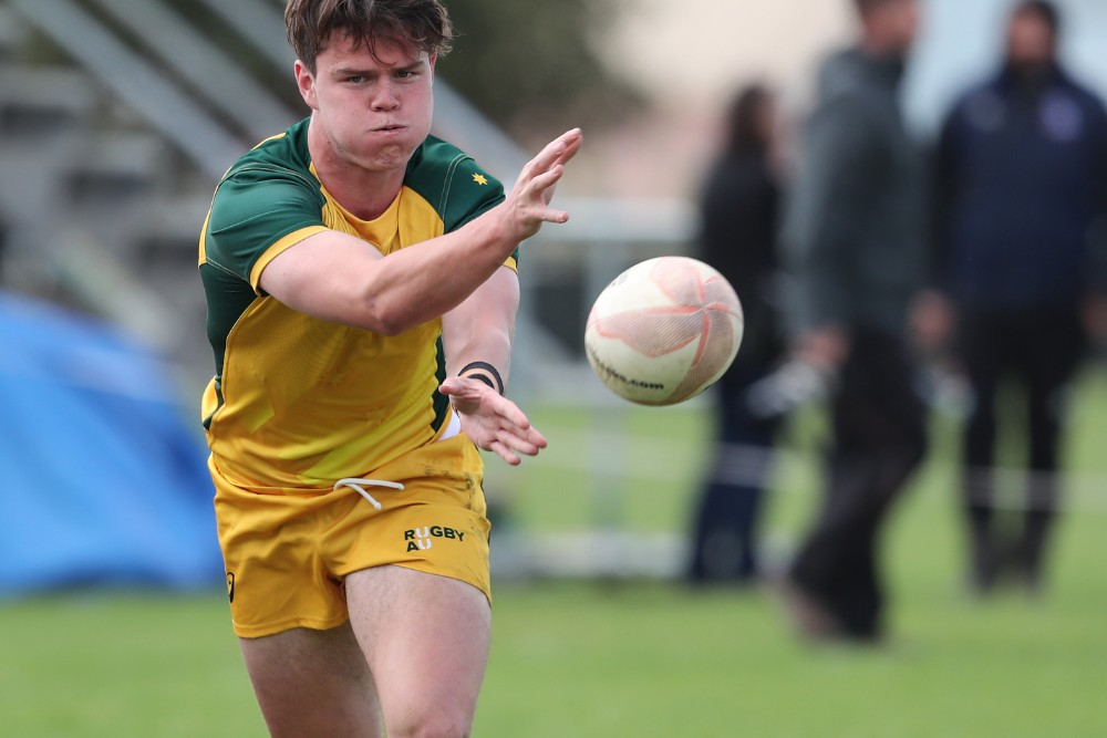 Halfback Lachlan Albert in action against the New Zealand Schools Barbarians. Photo: Getty Images