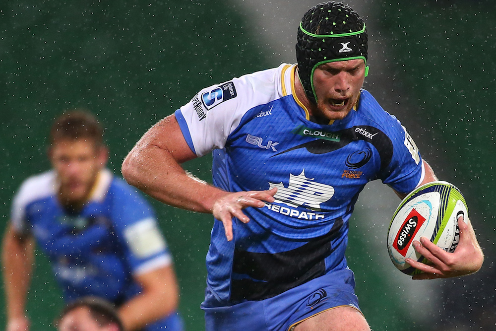 Matt Philip in his debut season for the Force, has re-signed for the 2017 Super Rugby season. Photo: Getty Images