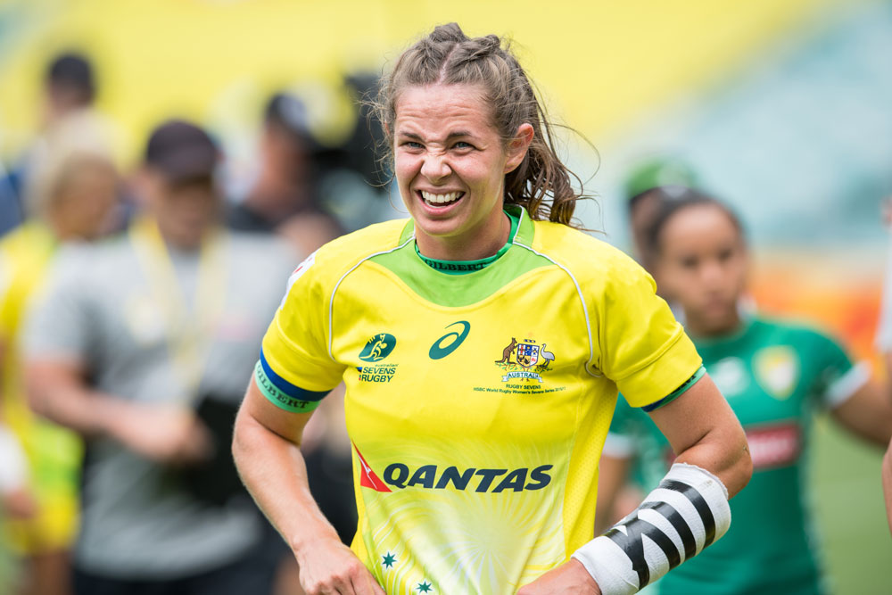 Chloe Dalton has re-signed with Australian rugby to keep her in the game until the Tokyo Olympics. Photo: Getty Images
