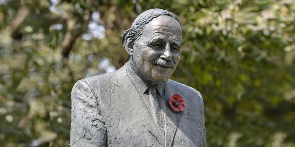 Weary Dunlop Statue