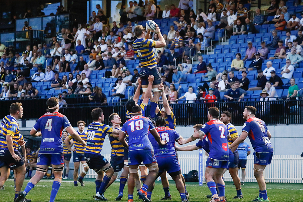 Sydney Uni winning the line-out over Manly. Photo: Karen Watson