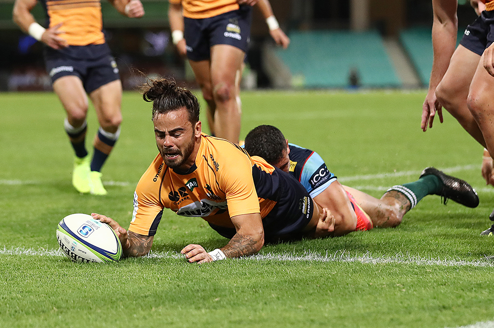 Andy Muirhead scores for the Brumbies during Super Rugby AU | Getty Images